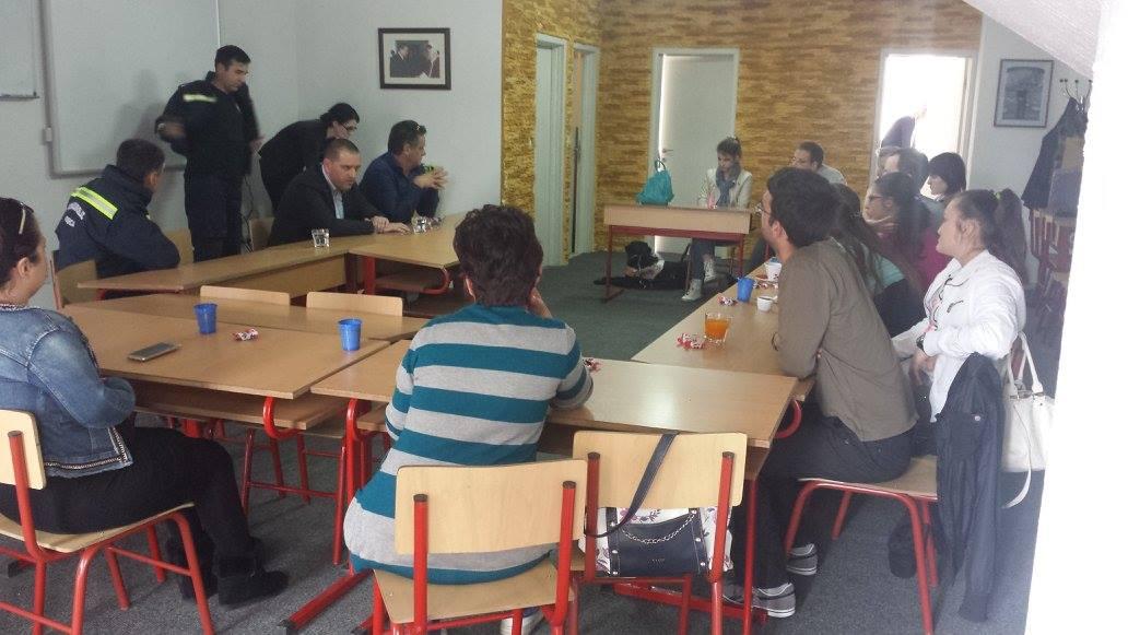 Predavanje polaznicima obuke za rad na SOS liniji za bezbjednost